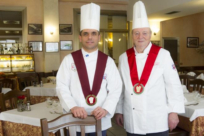 A testimonianza della sua elevata professionalità, nel 1997 Vittorio ha ottenuto il Collegium Cocorum, una prestigiosa onorificenza della Federazione Italiana Cuochi al merito professionale, della quale è stato insignito nel 2013 anche Massimiliano.